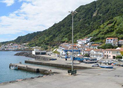 Embarcações de pesca da Povoação e da Ribeira Quente apenas podem descarregar na Ribeira Quente